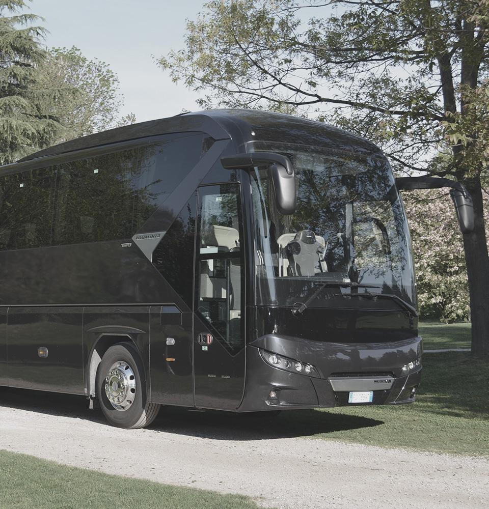 Bus GT 46/54 posti NCC Milano Malpensa ICare Limo