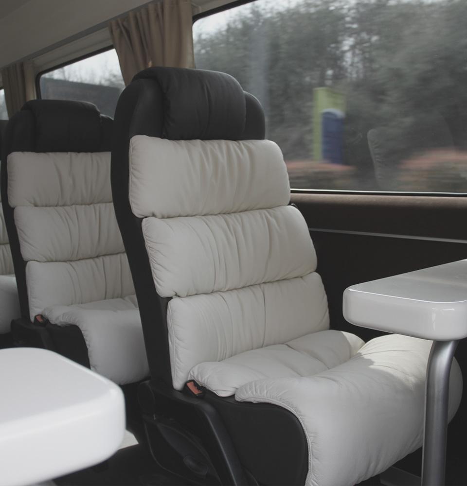 Luxury Mercedes Sprinter 8 posti NCC Milano Malpensa ICare Limo