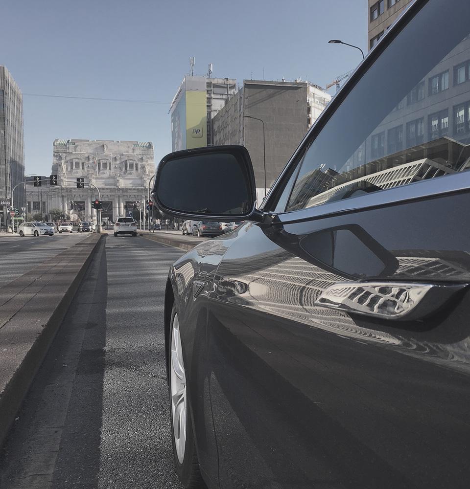 Tesla Model S NCC Milano Malpensa ICare Limo